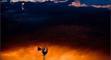 Natura dezlantuita: 30 de poze cu furtuni