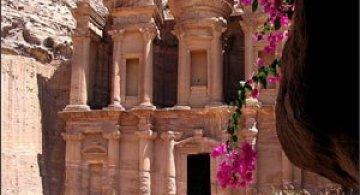 Petra, orasul sapat in piatra
