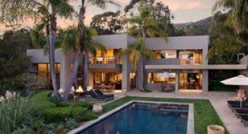 Producator blockbuster vand vila lux, Santa Barbara