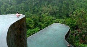 Gradini acvatice suspendate in Bali