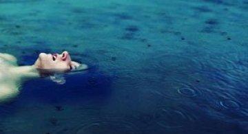 Sarah Ann Loreth: Echilibrul dintre intuneric si lumina