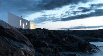 Squish Studio - Un mic far la Oceanul Atlantic