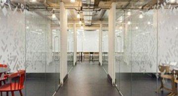 La joaca, la cursuri, la Campusul Google din Londra
