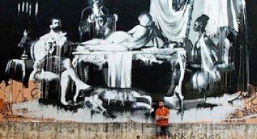 Conor Harrington picteaza fresce contemporane pe peretii italienilor