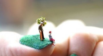 Manichiura si miniatura, de Alice Bartlett