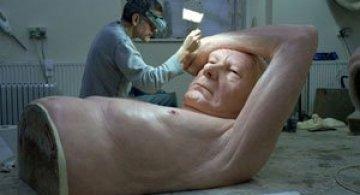 Sculptorul Gulliver in tara hiper-realismului