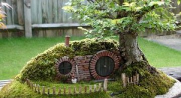 Bonsai cu hobbiti, inspirat de JRR Tolkien