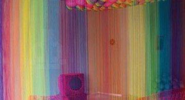 Camera curcubeu din sfori de Pierre le Riche