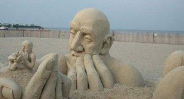 Infinity, o noua sculptura din nisip de Carl Jara