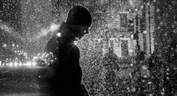 Siluete luminoase pe strazile din Chicago