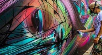 Portret multicolor in graffiti, de Hopare