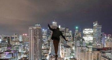 Adrenalina pe acoperisuri, cu Tom Ryaboi