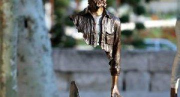 Statuile isi cauta bucatile lipsa