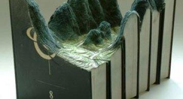 Peisaje sculptate in carti, de Guy Laramee