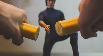 Bruce Lee pregateste un mic-dejun sanatos