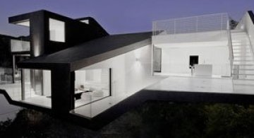 Nakahouse: O locuinta ultra-moderna in Hollywood Hills