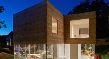 O casa pe jumatate transparenta, in Suedia