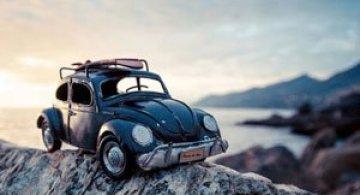 Aventuri cu miniaturi de masini, de Kim Leuenberger