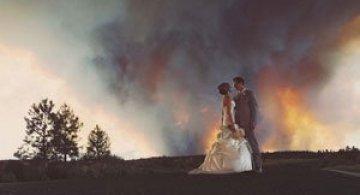 Fotografii de nunta printre flacari, de Josh Newton
