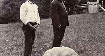 Poze de acum 100 de ani cu cel mai batran animal din lume