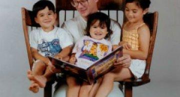 Scaunul creat din pasiunea pentru a citi povesti celor mici