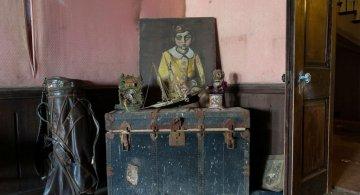 Un misterios conac abandonat, in poze de poveste