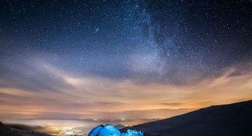 In doi, sub cerul liber: Intalnire pe varful muntilor