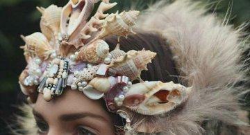Se poarta scoicile: Coroane de sirena din cochilii
