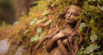 Spiritele naturii: Sculpturi himerice gingase