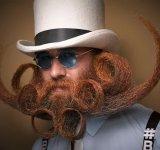 Barbi si mustati excentrice, intr-un pictorial haios