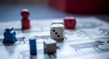 Distractive si ingenioase: Cele mai indragite jocuri de societate