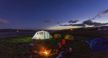 Vacanta sub cerul liber: Cum ne pregatim pentru camping