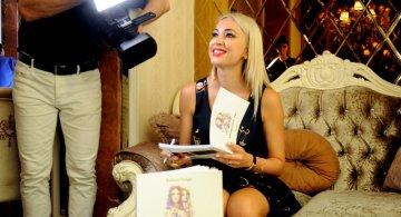 Raluca Zenga si-a lansat primul volum de poezii la Castelul din Inima Capitalei!