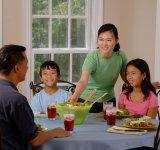 S-a dovedit stiintific: 9 Motive pentru care e bine sa luam cina in familie