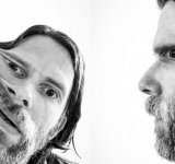 Frumusetea unei perspective denaturate: Selfie-uri suprarealiste cu Peter Wihlborg