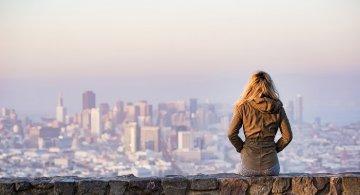 Cele mai sigure si frumoase destinatii pentru o femeie care calatoreste singura