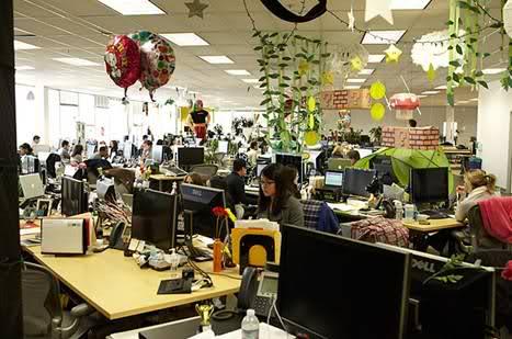 In ce conditii lucreaza angajatii Facebook? - Poza 16