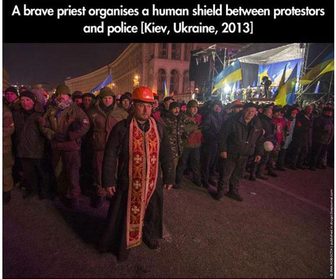 11 momente incredibile de la protestele din intreaga lume - Poza 1