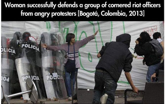 11 momente incredibile de la protestele din intreaga lume - Poza 2