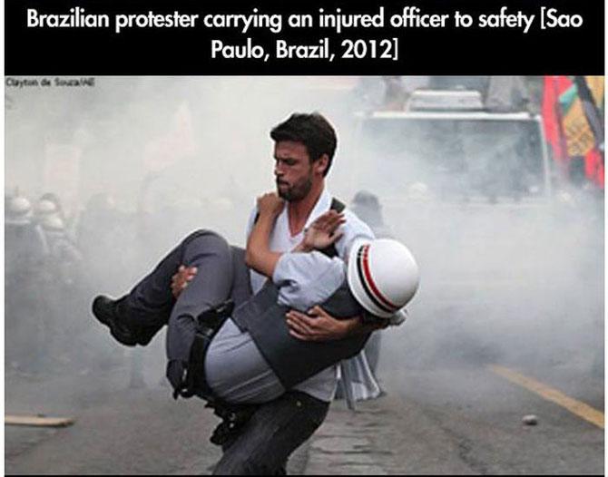 11 momente incredibile de la protestele din intreaga lume - Poza 7