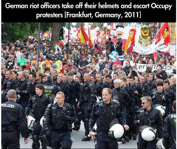 11 momente incredibile de la protestele din intreaga lume - Poza 10
