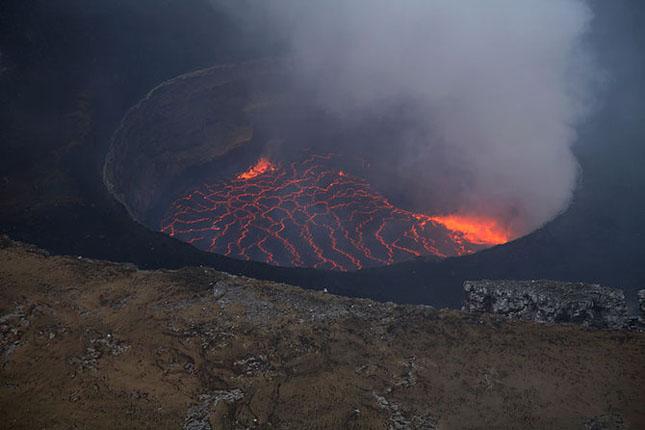 55 de poze cu un fenomen fascinant: eruptia vulcanica - Poza 15
