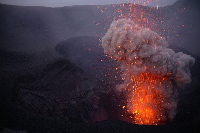 55 de poze cu un fenomen fascinant: eruptia vulcanica - Poza 17