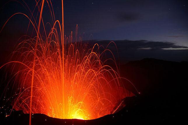 55 de poze cu un fenomen fascinant: eruptia vulcanica - Poza 19