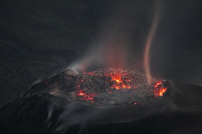 55 de poze cu un fenomen fascinant: eruptia vulcanica - Poza 49