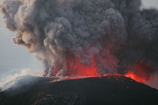 55 de poze cu un fenomen fascinant: eruptia vulcanica - Poza 54