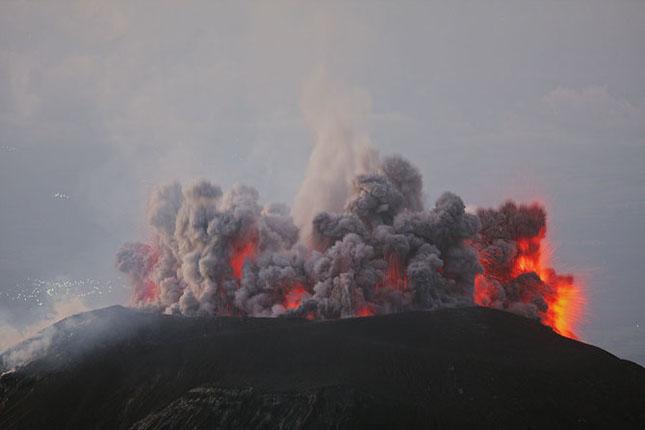 55 de poze cu un fenomen fascinant: eruptia vulcanica - Poza 55