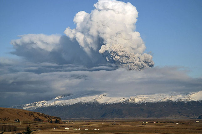 Fata nevazuta a eruptiei vulcanice din Islanda - Poza 1