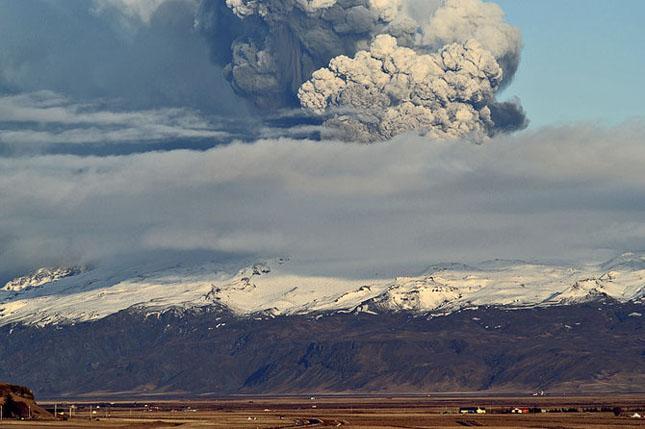 Fata nevazuta a eruptiei vulcanice din Islanda - Poza 2