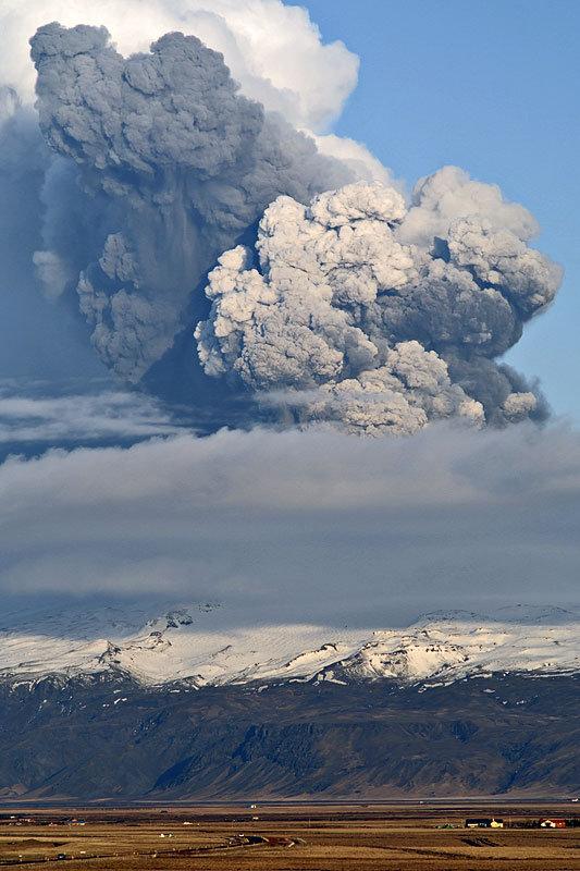 Fata nevazuta a eruptiei vulcanice din Islanda - Poza 3